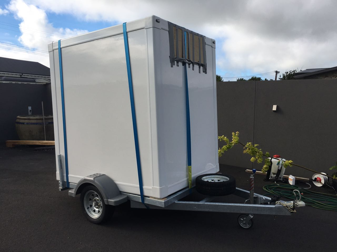 Mobile Insulated Car Trailer with FRP + PU + FRP Composite Sandwich Panel